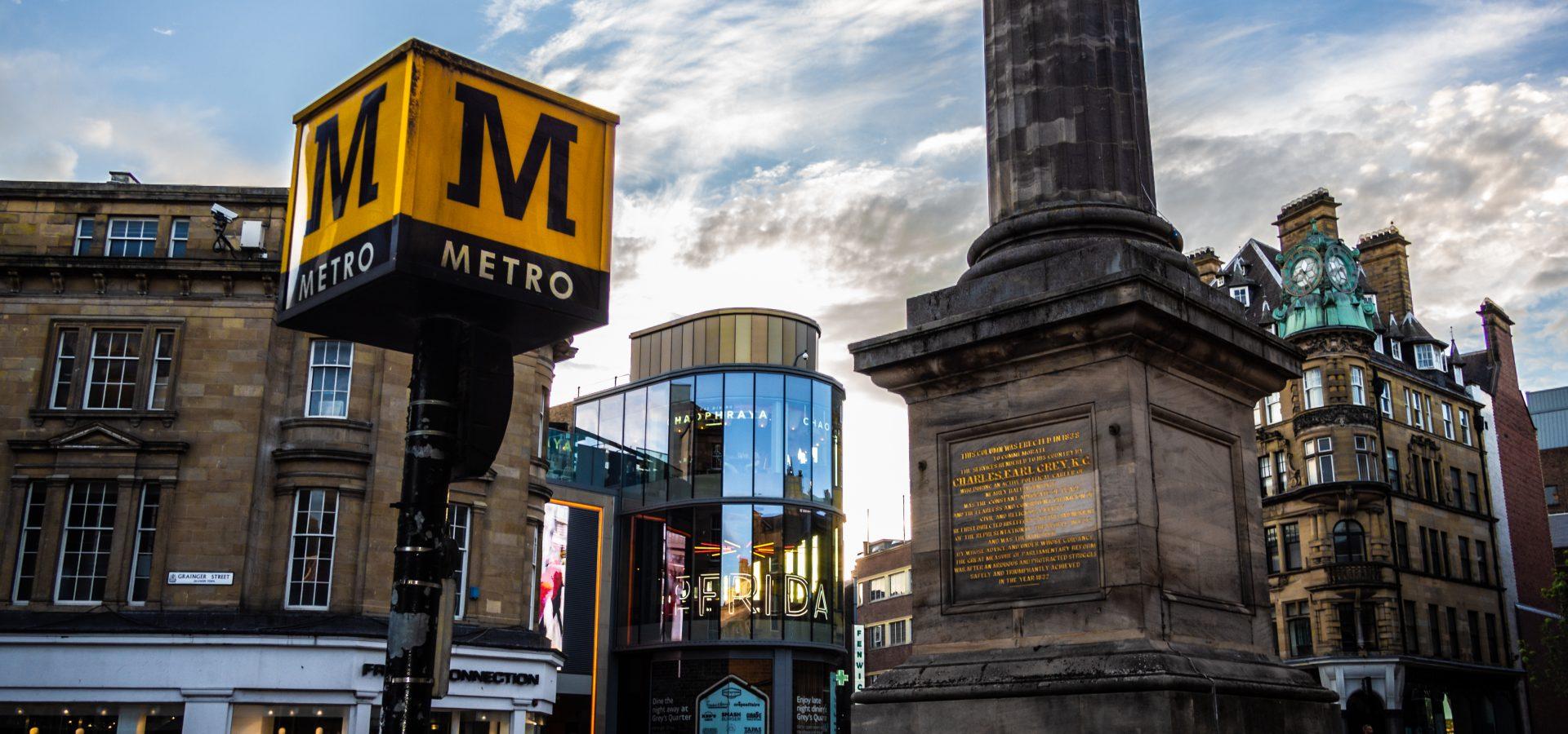 Monument Metro Station